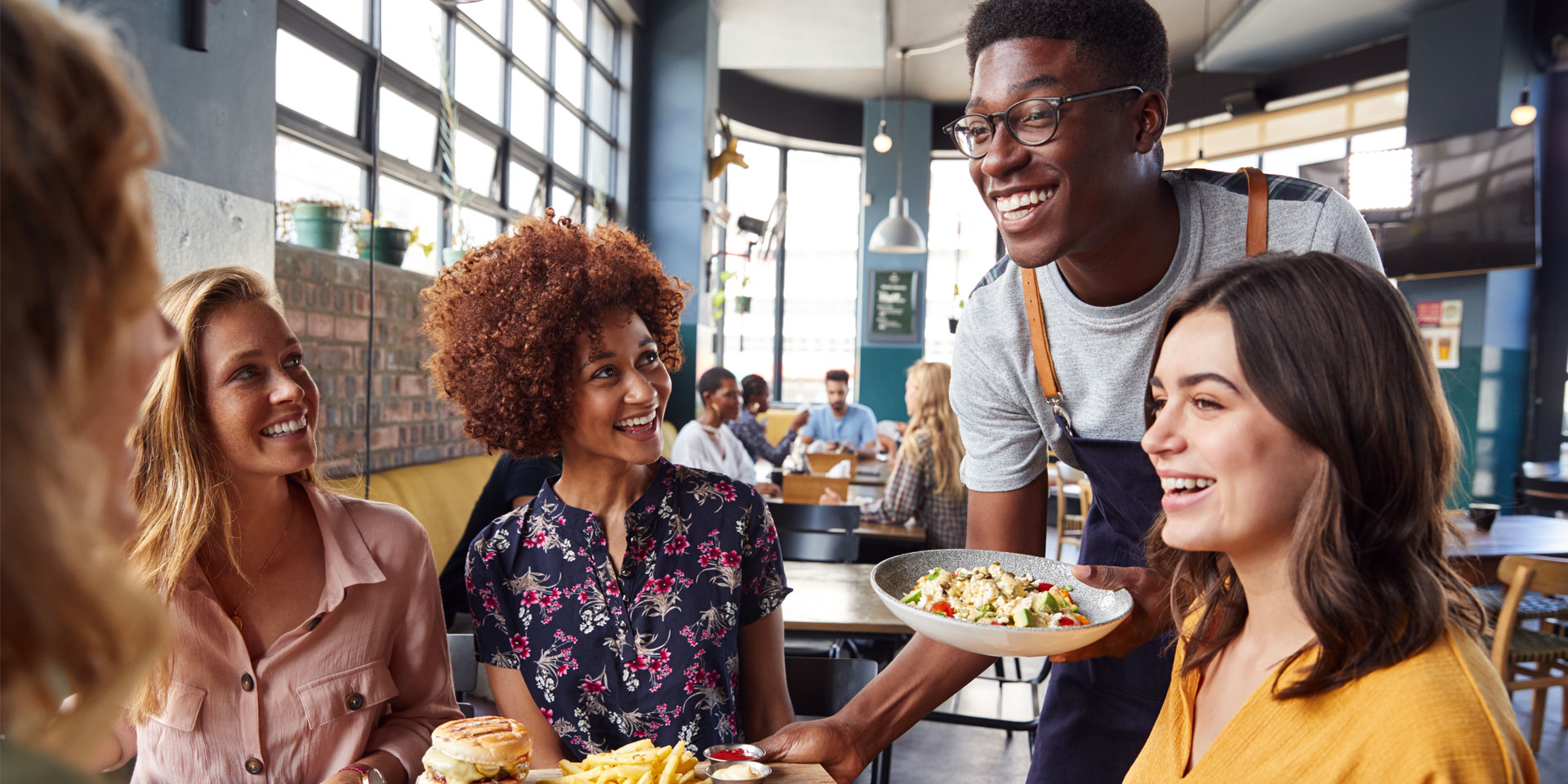 5 technologies that will make your restaurant staff happier and more productive