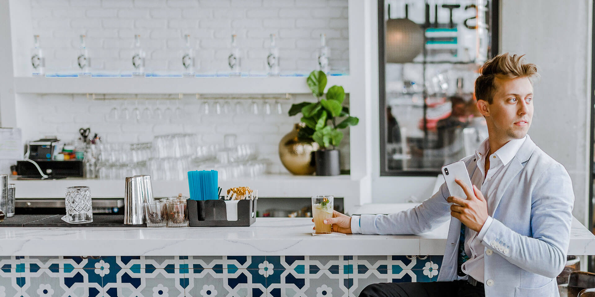 3 ways restaurants can use technology to improve the customer experience