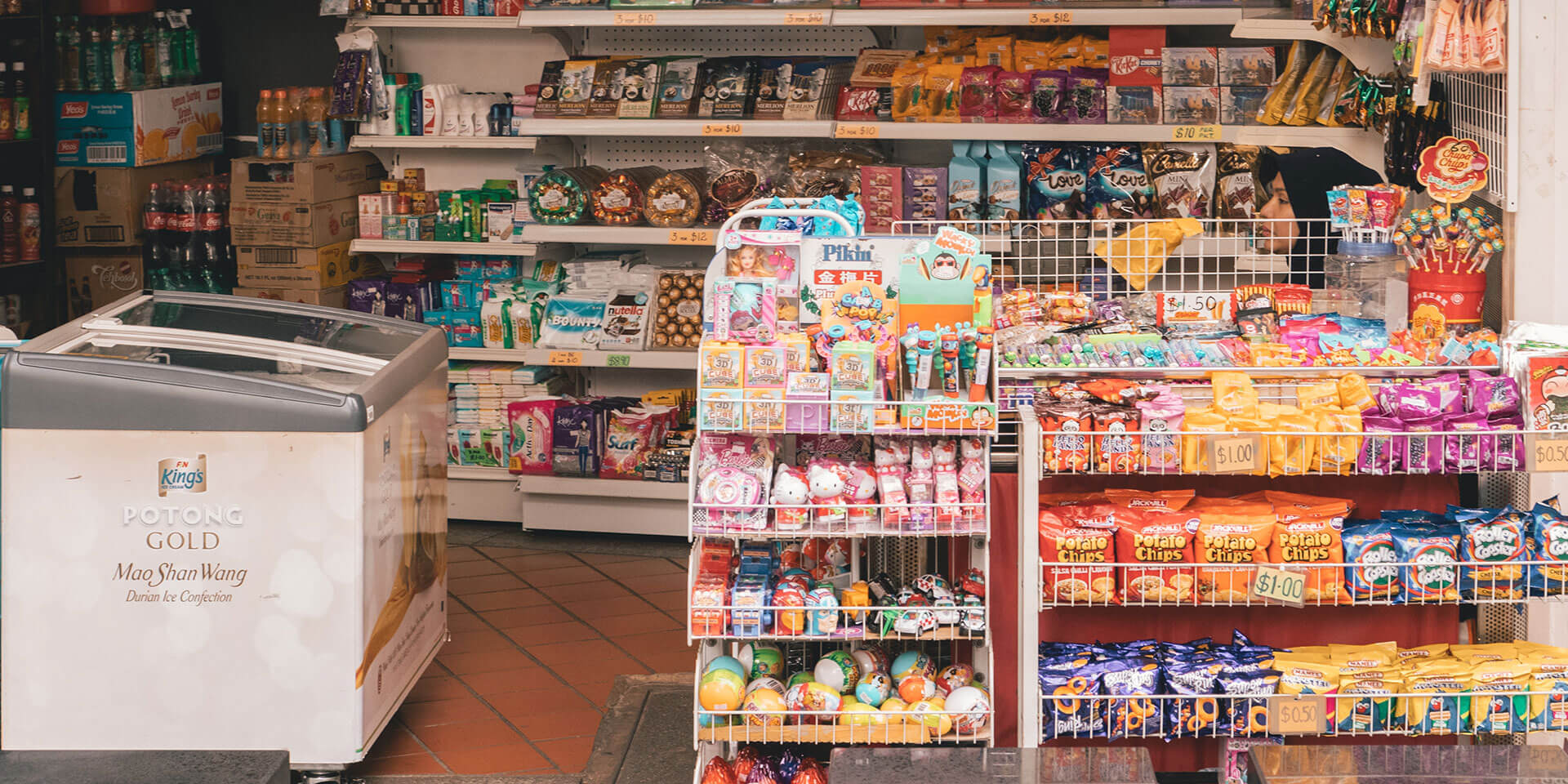 How can independent retailers compete with big brands?