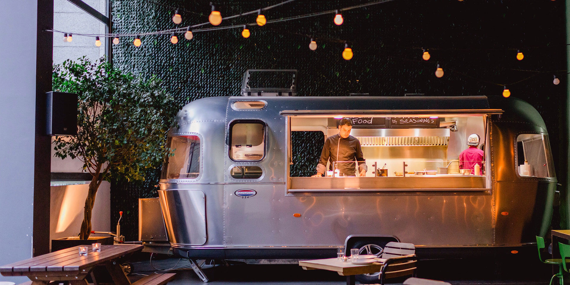 Restaurants and technology: 4 ways to capitalize on top trends